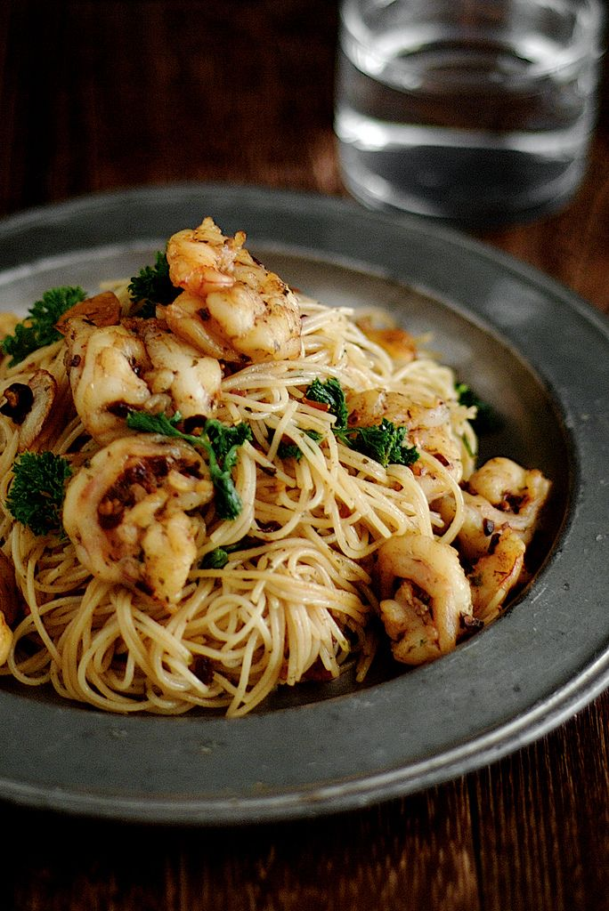 garlic prawn pasta adapted from donna hay's fast, fresh and simple