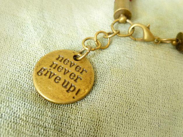 NEVER GIVE UP bransoletka wiśniowa - Projektownia - Bransoletki z zawieszkami