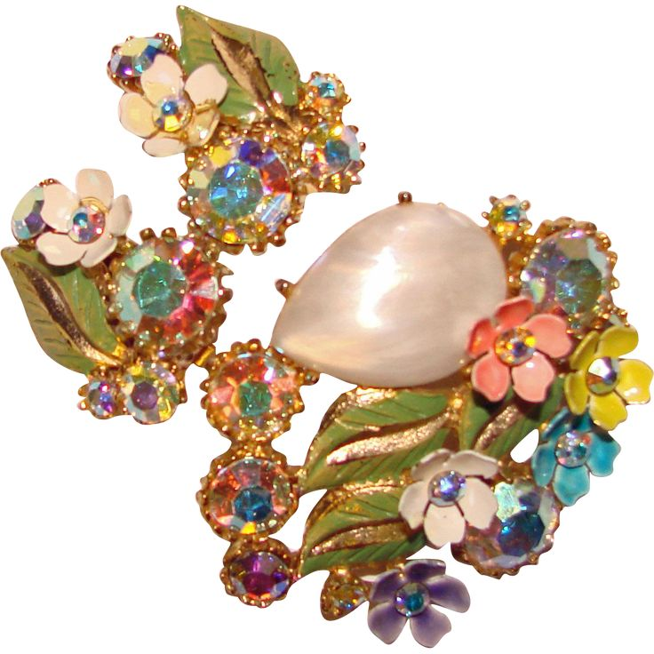 Gorgeous SPRINGTIME Enameled Flower Aurora Rhinestone Vintage Brooch Set What a gorgeous vintage set! It is done in a gold colored metal with a beautiful design that has dimensional flowers that are