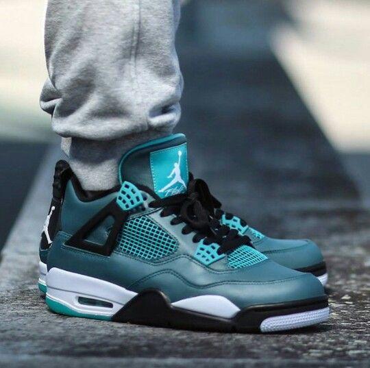 Air Jordan 4 verde