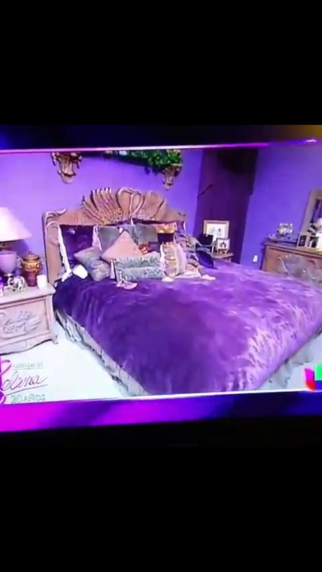 Fun Fact Suzette kept the furniture from Selenas bedroom