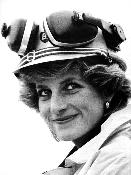 """September 3, 1985: Princess Diana visits the Forties """"Charlie's Darling"""" oil rig, where she has a three hour tour and meets the workers. The rig is a Shell/Esso joint venture."""