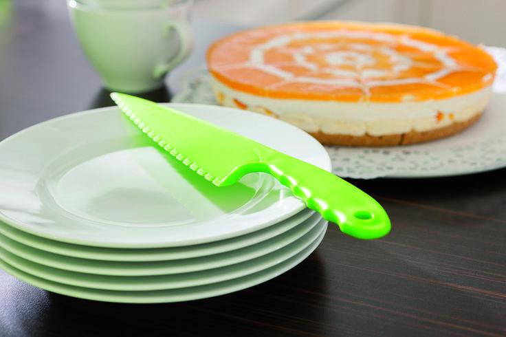 Ideaal voor het serveren van taart! - serveermes met gekartelde rand - formaat: 28,5 x 6 x 0,8 cm  - Keukenmessen bedrukken mogelijk vanaf 200 stuks
