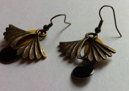 Des bijoux faits main avec tout plein d'amour :) http://www.alittlemarket.com/boutique/marinelita-349509.html