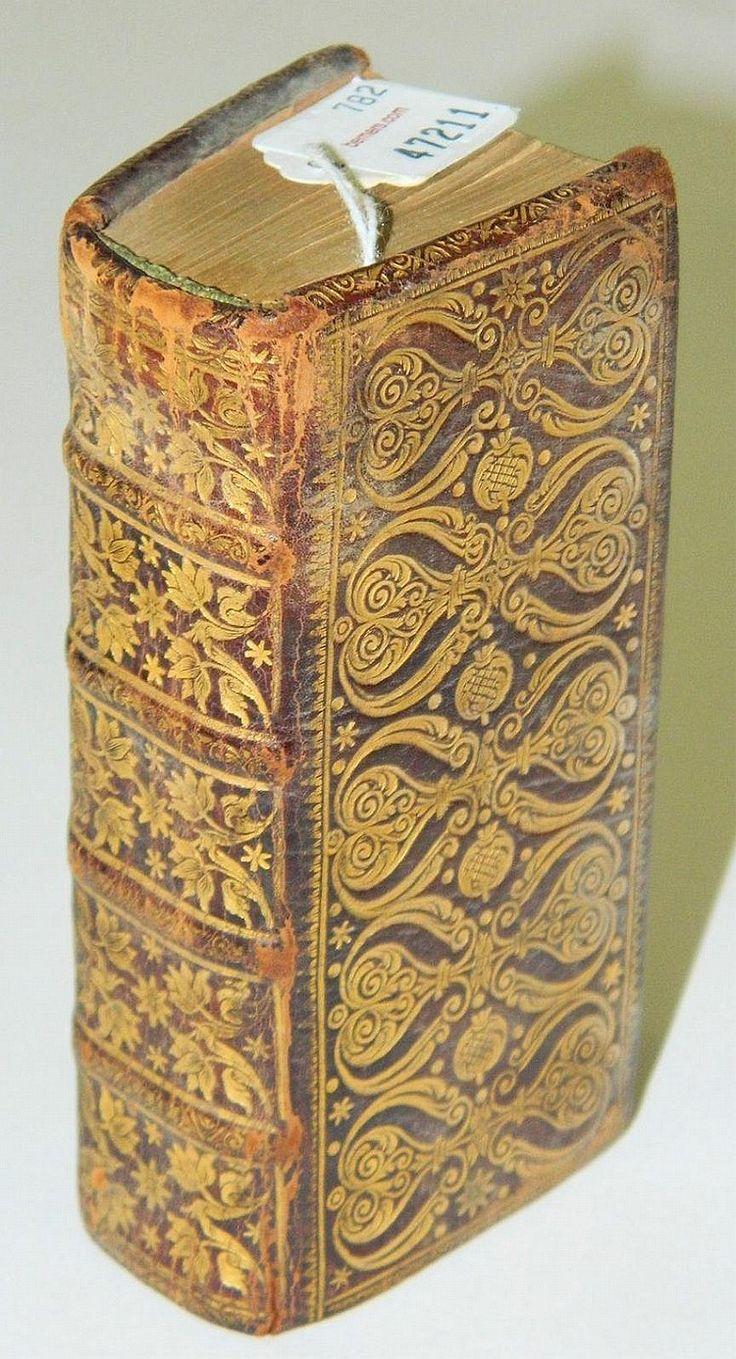 this rare tiny treasure has a preface by; Martin Luther... German book: Vier uralte Geistreiche Büchlein