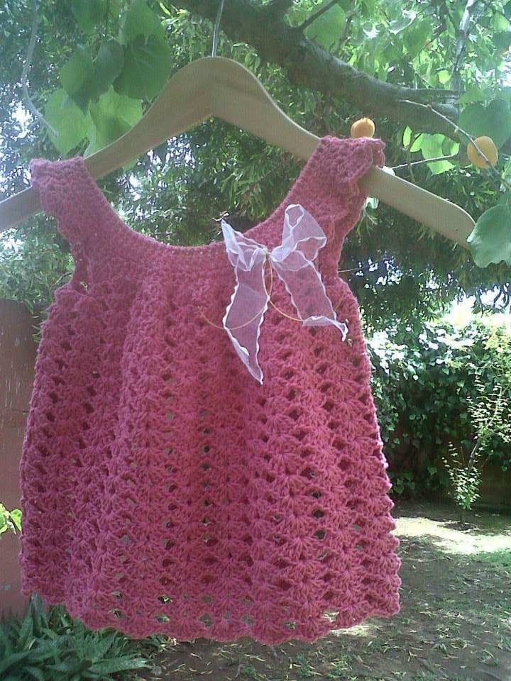Vestido de bebe a crochet / Crochet baby dress  See www.facebook.com/hilaria.hechoamano pedidos y consultas hilaria.hechoamano@gmail.com