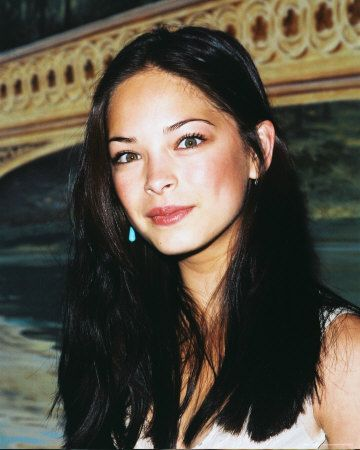 kristin kreuk (natural hair/make-up) so pretty!