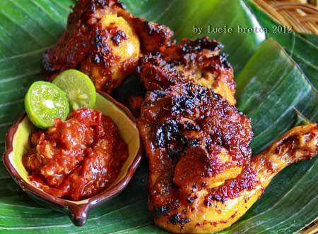 Resep Ayam Bakar Padang Asli Maknyus - Menikmati masakan ayam bersama dengan teman atau keluarga memang menjadi sensasi terse