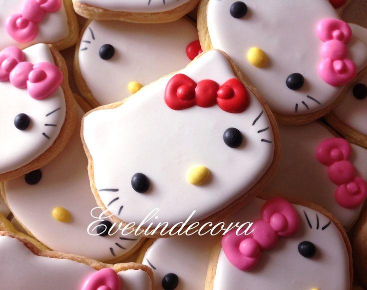 Come si fanno i biscotti hello kitty? Questa ricetta e il passo passo vi guideranno nella preparazione di questi simpaticissimi dolcetti 'for girls only'.