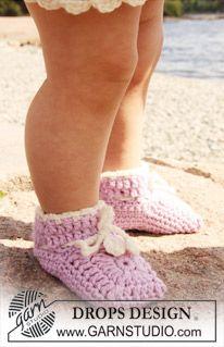 """Crochet DROPS slipper in """"Merino Extra Fine"""". ~ DROPS Design"""