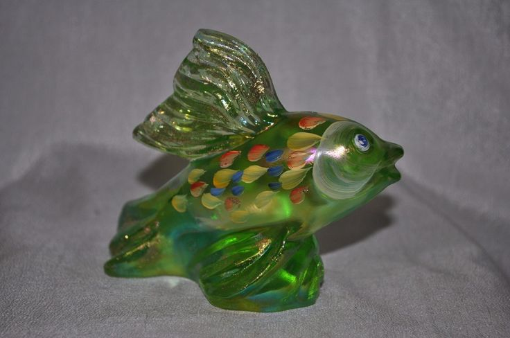 Fenton glass fish koi figurine iridized bright green for Koi fish figurines