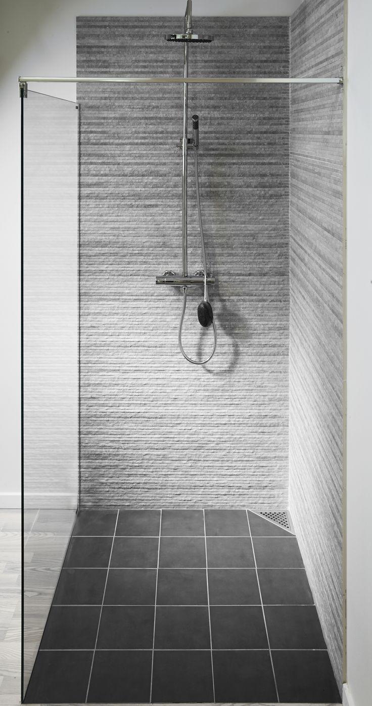 ClassicLine Cornerdrain By Unidrain®. Perfect For Smaller Shower Cubicles