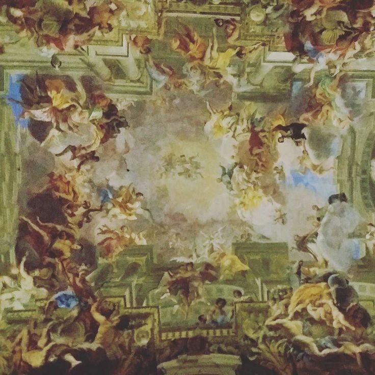 Andrea Pozzo Sant'Ignazio's glory fresco 1685 Church of Sant'Ignazio in Campo Marzio in Rome - Thanks to @francydellaventu  #italianpainting #italianbaroque #italianart #modernart #artaddict #romanpaintings #art #lovingart #lovingitaly #rome #italy #italianholidays #italiandays #europetraveler #europetravel #travelling #travellingram #mytravels #mytravelstory #lovingtravelling #nicetime #happysunday #visitingcities #visitrome