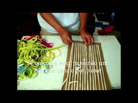 Artesanato - Tear de papelão - Cardboard loom, dialog in Portugese, but look at the pictures!