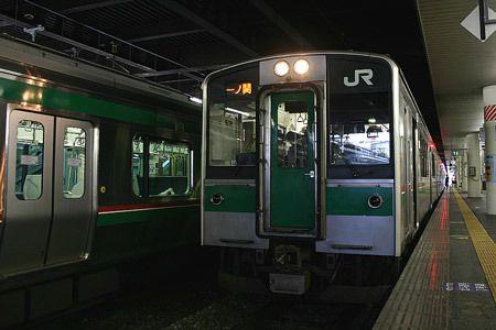 仙台の大きな駅に、先へと向かう列車が待っていた。一ノ関へ、東北を北へ。2008/1 仙台駅 JR東北本線539M一ノ関行(701系)© 2010 風旅記(M.M.) *許可なく転載はできません...