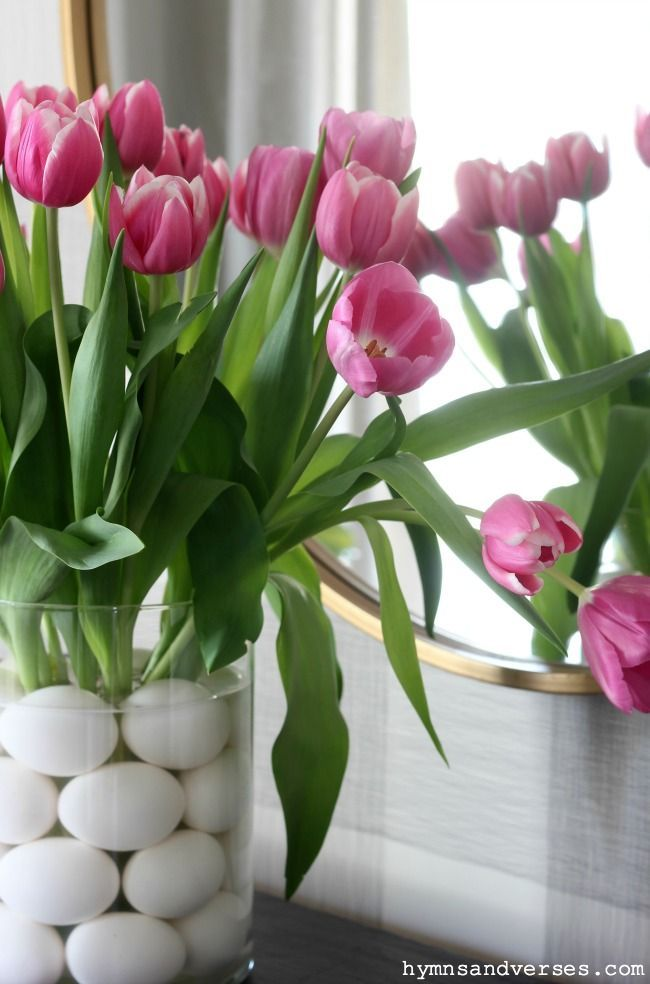 Spring Tulips And Eggs Centerpiece In 2020 Spring Tulips Tulip Decor Summer Flower Arrangements