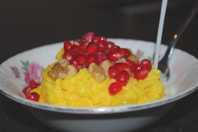 Saffransgröt med granatäpple & valnötter | Kung Markatta - kungen av ekologiskt