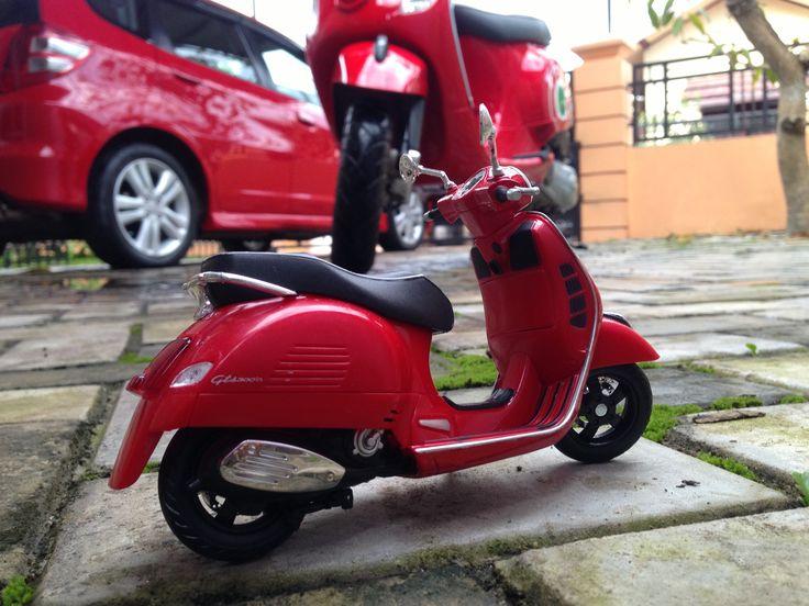 Red Vespa miniature