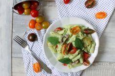 Penne s avokádovou omáčkou a cherry rajčátky