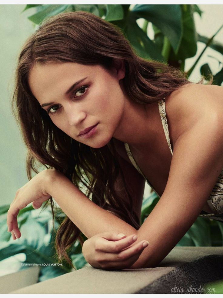 alicia single guys You better shack up fast before all the men are gone  alicia meek  the age she thinks we need to worry about being single because the men won't be.