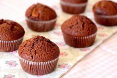 Шоколадные маффины с карамелью