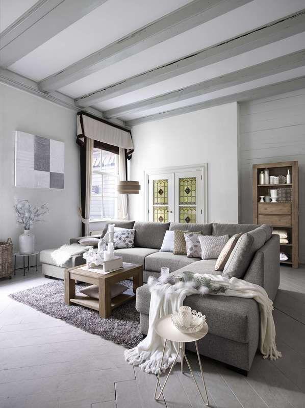"""Acacia woonprogramma in de kleur """"grey wash"""".Dit woonprogramma  is mooi en robuust met een eenvoudige belijning en hoogwaardige  afwerking. Ook op bestelling in """"smoke white brushed"""" te verkrijgen."""