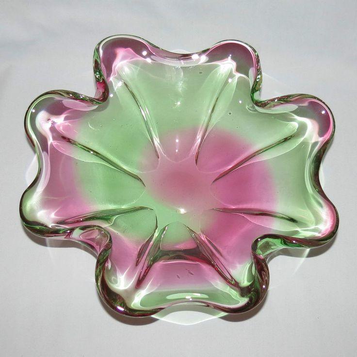 RETRO VINTAGE MURANO GLASS MID CENTURY QUATREFOIL BOWL FUSCHIA AND GREEN