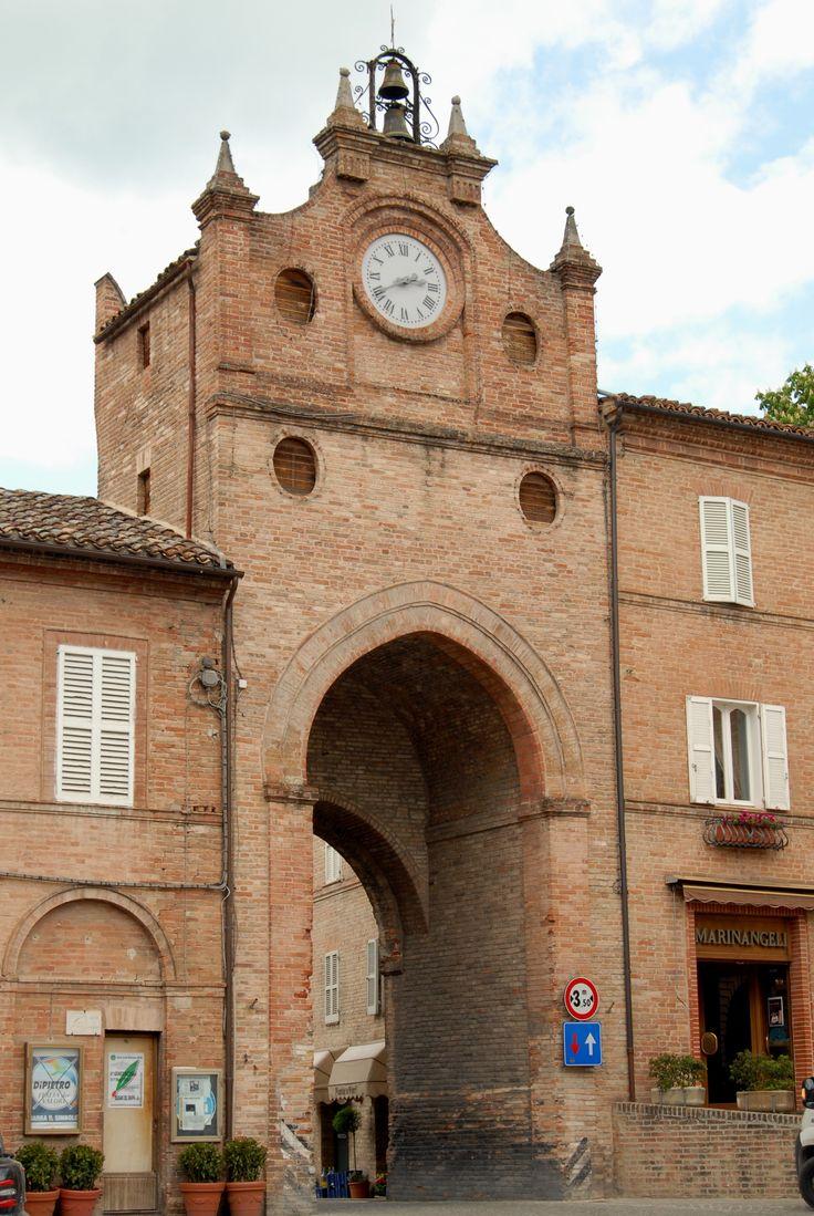 Porta S. Giacomo #marcafermana #amandola #fermo #marche