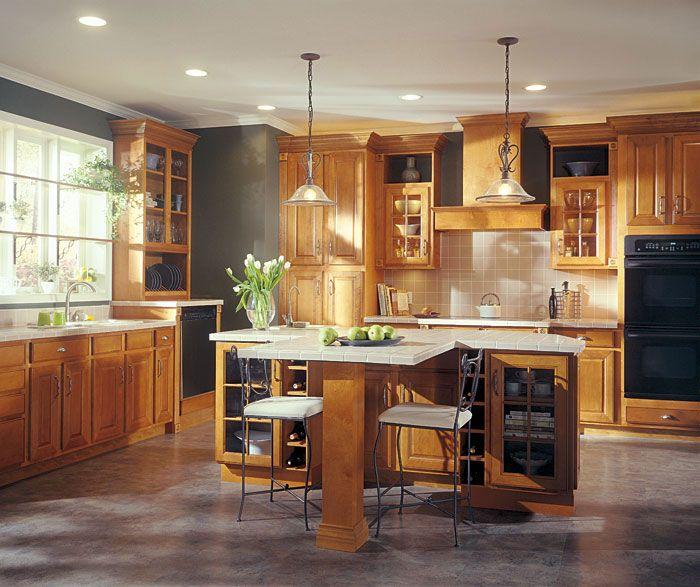 Aristokraft Grayson Kitchen Cabinet Door Style. Maple Wood With Autumn  Finish