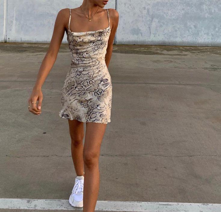 """Sheida M auf Instagram: """"verliebt in dieses Kleid … – #ads #Dress #Instagram #Love #Sheida"""