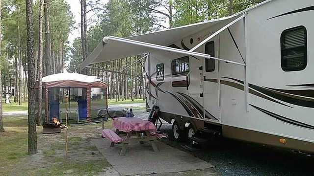 2013 Used Keystone Passport 3100RK Travel Trailer in Maryland MD.Recreational Vehicle, rv, 2013 Keystone Passport 3100RK, One owner, like new 2013 Keystone Passport Ultra Lite Grand Touring Travel Trailer - Model 3100 RK (Rear Kitchen). Bought new 04/2013. Comes with a Canvas Cover (used for all winter months & during pollen season) and Hitch Stablizer. We also have a tow vehicle available for purchase separately if desired. The 2013 Keystone Passport 3100 RK is an exciting rear kitchen…