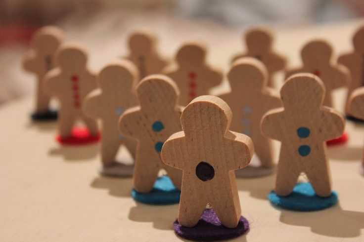 Counting dots on Gingerbread men @ The Bridge