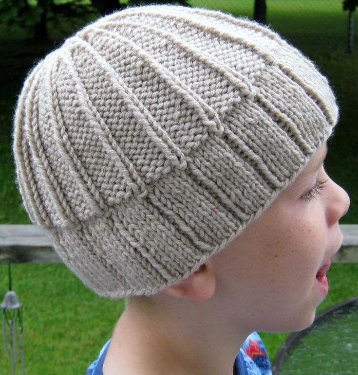 Knitting Pattern for Easy Ribby Toque - Reversing the ribbing used in the brim for the body creates a simple but interesting design in this unisex beanie hat that works for all ages. Rated very easy by Ravelrers. Designed by Carol J. Sulcoski. Pictured project by nannapei