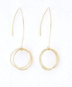 Sublimes boucles d'oreilles pendantes avec aux extrémités trois anneaux entrelacés brillants @alexanneparis