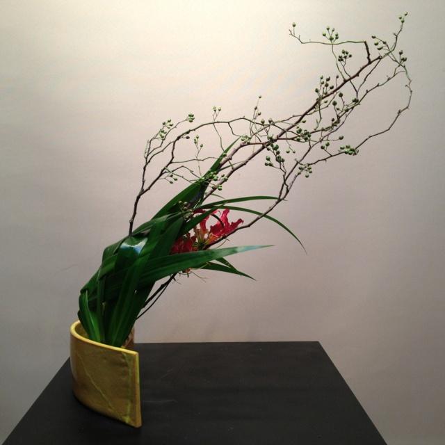 今日のお稽古 Today's lesson Sogetsu Ikebana  #Sogetsu #Ikebana #Flower #art