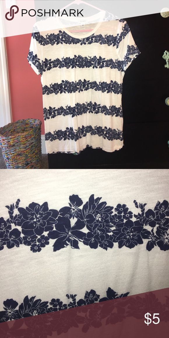 Old Navy Womens top White with navy blue floral stripes, Old Navy Tops Tees - Short Sleeve