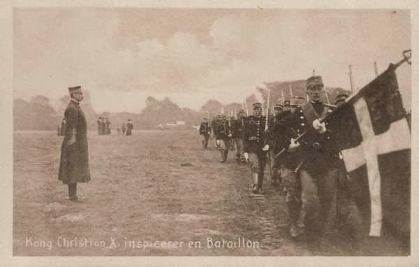 King Christian X inspects a battalion