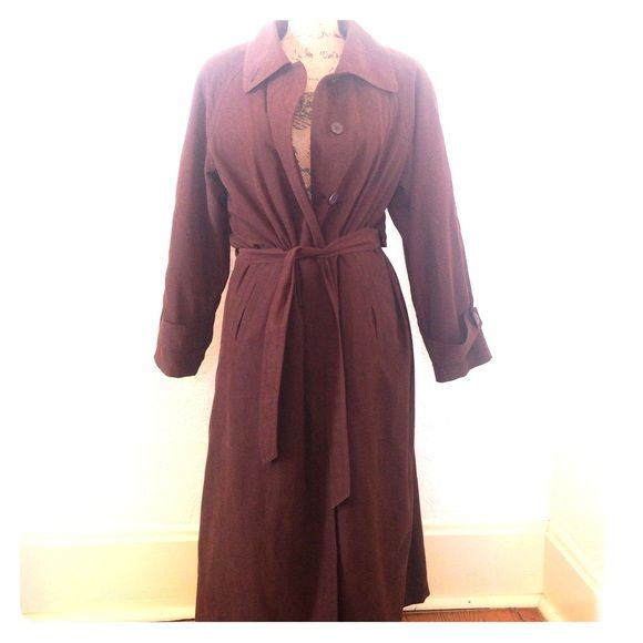 """❄️SALE! CLASSIC BROWN TRENCH COAT The perfect trench coat for work or everyday. Dark brown, buttons up front, belt included.  Lined inside with polyester that is soft & detachable with zipper. Outside is also 100% Polyester.  Stylish & timeless.  In great condition - no holes, stains etc.  SIZE 10 Petite, fits regular 10 just fine. 20"""" armpit to armpit, 46"""" shoulder to bottom, 23"""" sleeve. Non smoking home, no trades, lowball offers will be declined.   011616 Jacqueline Ferrar Jackets & Coats…"""
