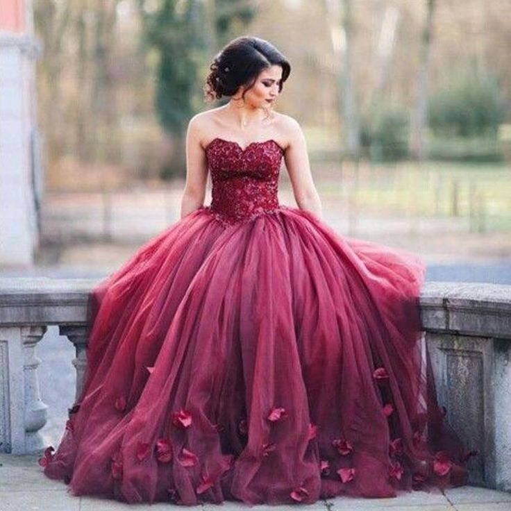 Dark Red Ball Gown Prom Dresses Shallow Sweetheart Lace Tulle Petal Embellished…