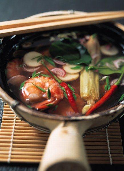 Une soupe asiatique dont le secret demeure dans l'excellence du bouillon : aux herbes, à la citronnelle, à l'échalote.