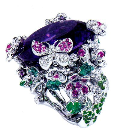 Beautiful ring by Victoire de Castellane (Jewelry Designer for Dior)