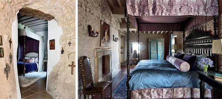 Замок Castello di Santa Eurasia в Умбрии. Спальня в голубых и сиреневых тонах