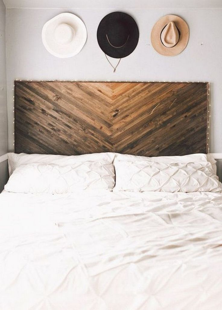35+ Exciting New Look Your Bedroom With DIY Rustic Wood Headboard Plans