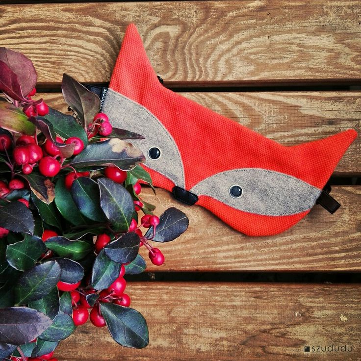 Fox #sleepmask for Christmas #christmasgift #fox #foxes https://www.etsy.com/listing/207119030/fox-sleepmask-with-pouch-best-travel