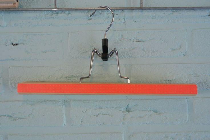 Kleerhanger Ikea (Bumerang).