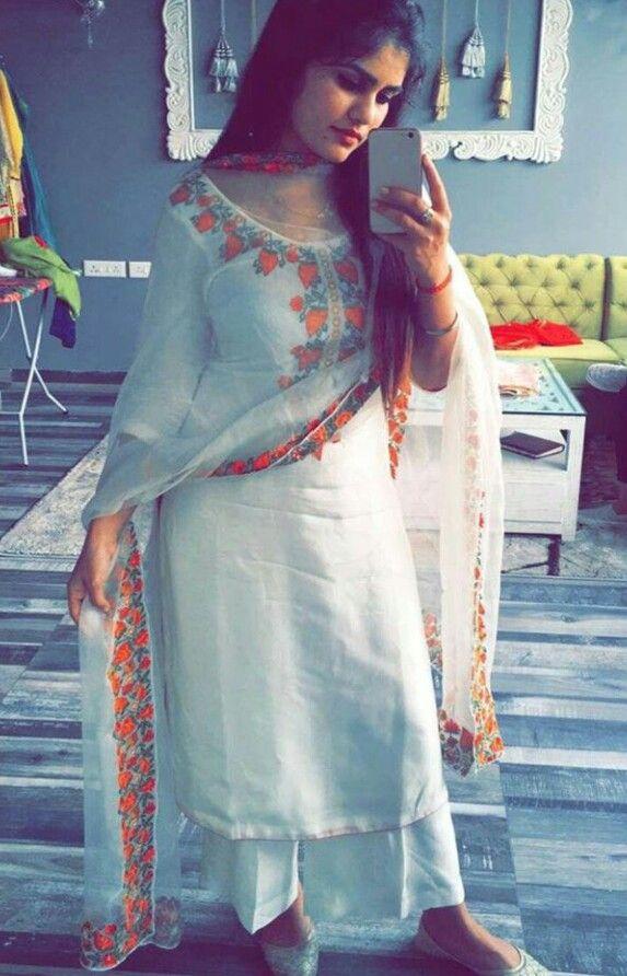 dc52ff987b pintrest@Dixna deol   Boutique Suits   Punjabi salwar suits, Salwar ...