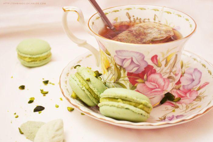 Des macarons pistache à l'heure du thé...  Pistachio Macaroons for Tea Time