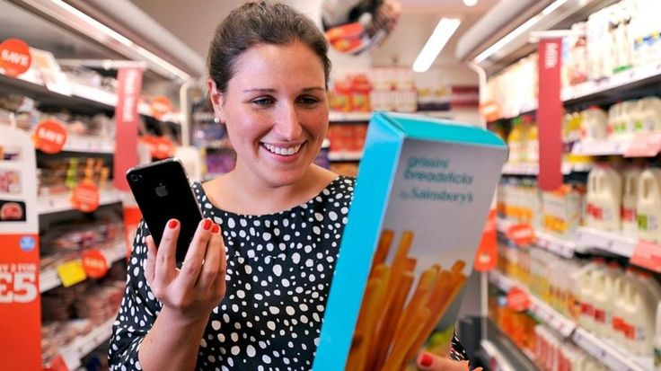 Supermarket giant Sainsbury's is closing its mobile phone service after two years.