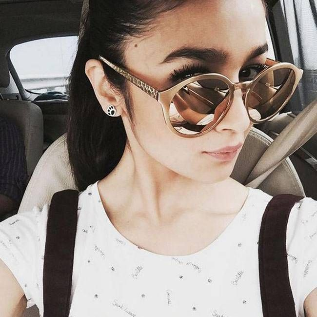 Alia Bhatt sharing a #selfie on #Instagram. #Bollywood #Fashion #Style #Beauty