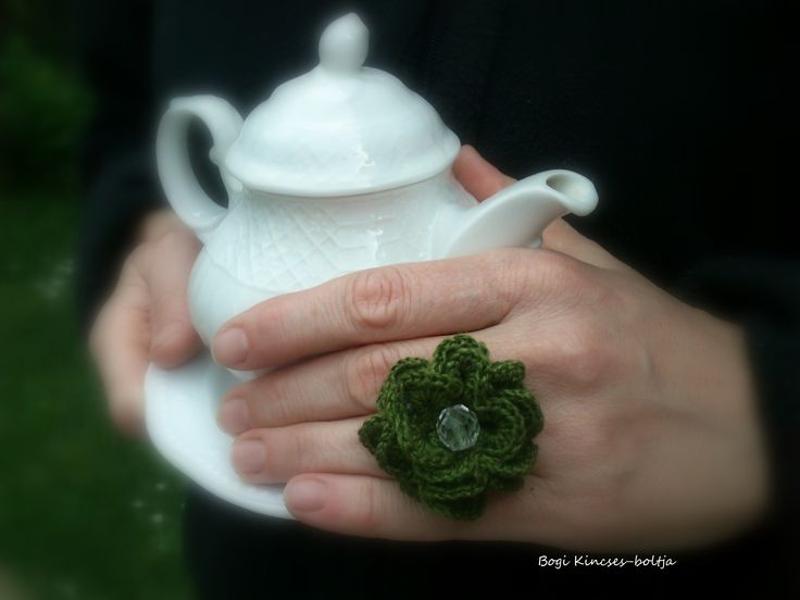 Horgolt gyűrű üveg gyönggyel